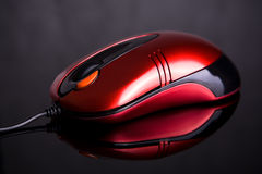 De muis van de computer op weerspiegelende achtergrond Royalty-vrije Stock Afbeelding