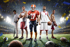 De multicollage van sporten trotse spelers op grote arena Royalty-vrije Stock Fotografie