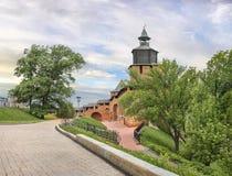 De muren en de torens van Nizhny Novgorod het Kremlin Rusland royalty-vrije stock foto
