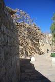 De muren en de wegen van oude stad Jeruzalem Royalty-vrije Stock Afbeeldingen