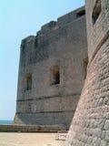 De muren van de Dubrovnikstad royalty-vrije stock afbeelding