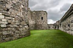 De muren van het Kasteel van Beaumaris Stock Foto