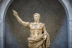 De Musea van Vatikaan - Roman beeldhouwwerk: Standbeeld van Augustus van Prima Porta Stock Foto