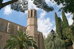 De muur & de toren van abdij Pedralbes. Royalty-vrije Stock Afbeeldingen