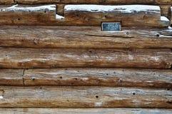 De muur en het venster van het logboek Royalty-vrije Stock Foto's