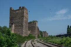 De muur en de torens van Smederevo-Vesting zijn middeleeuws versterkt c Royalty-vrije Stock Afbeeldingen