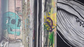 De muur hoofdavontuur van de graffitikleur stock foto's
