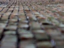 De muur rekt zich onderaan perspectiefachtergrond uit stock foto
