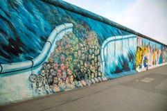 De muur van Berlijn (Berliner Mauer) met graffiti Stock Afbeelding