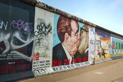 De muur van Berlijn met graffiti Royalty-vrije Stock Fotografie