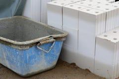 De muur van de container en van de steen Royalty-vrije Stock Foto's