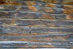 De muur van een dorpshut van houten raad wordt gemaakt die Natuurlijk materiaal royalty-vrije stock foto's