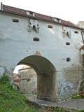 De muur van het Brasov fotress vestingwerk Stock Afbeeldingen