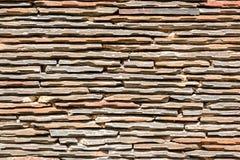 De Muur van de leisteen in de Zonneschijn stock foto