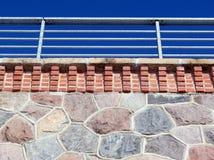 De muur van de treinbrug en leuningen, Litouwen royalty-vrije stock foto