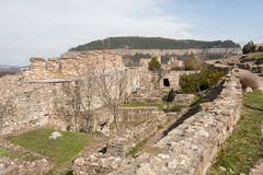 De muur van de Tsarevetsvesting, Veliko Tarnovo, Bulgarije Stock Foto