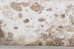 De muurachtergrond van Grunge Oude baksteen en steenmuur met helder verlaten pleister stock foto's