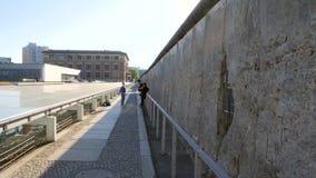 De muurgedenkteken van Berlijn stock videobeelden