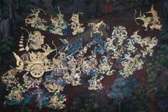 De de muurschilderingschilderijen van Ramakian Ramayana langs de galerijen van de Tempel van Emerald Buddha, stock foto