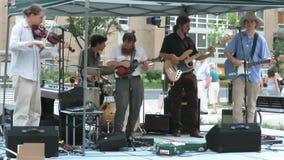 De Muziek van Bluegrass van het land in de Stad stock footage