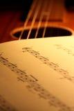 De muziek van het blad op gitaar 1 Royalty-vrije Stock Afbeelding