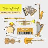 De muziekinstrumenten verdunnen dat voor Web wordt geplaatst en mobiel lijnpictogram Stock Foto's