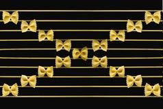 De muzieknoten worden gemaakt gebruikend een macaroni royalty-vrije stock fotografie