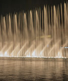 De muzikale fonteinen van Burjkhalifa Royalty-vrije Stock Foto's