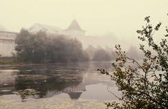 De mystieke mist over het water Royalty-vrije Stock Afbeelding