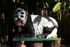 De mystieke vijf ogen bewaken dierlijk beeldhouwwerk in Thailand Royalty-vrije Stock Afbeeldingen