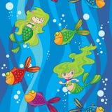 De naadloze meerminnen vissen in water met golven Stock Foto's