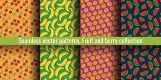 De naadloze Reeks van het Patroon Sappige fruit en besseninzameling Kers, banaan, sinaasappel, watermeloen, mandarijn Hand getrok vector illustratie