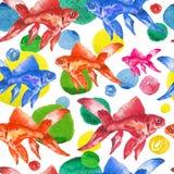 De naadloze vissen en de dalingen van de patroonwaterverf kleurrijke Royalty-vrije Stock Foto's