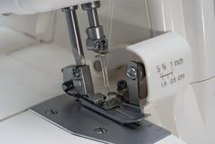 De naaimachine van Overlock Stock Afbeeldingen