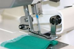 De naaimachinenaalden van Serger Stock Foto