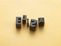 De naam van de persoon met lettersoorten wordt geschreven die stock fotografie