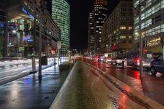 De nacht speelt Boulevard op Potsdamer Platz in Berlijn, Duitsland mee stock fotografie