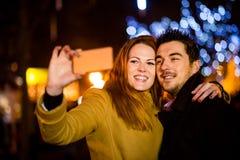 De nacht van de de winterstraat selfie royalty-vrije stock foto's
