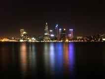 De Nacht van de Stad van Perth Stock Afbeeldingen