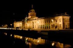 De nacht van Dublin, het Noorden van Liffey, Douane Hous Stock Afbeelding