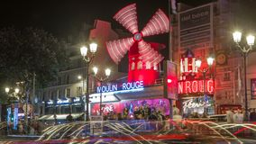 De nacht van de Moulinrouge timelapse Parijs, Frankrijk stock footage