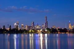 De nachtCBD panorama van Melbourne Stock Afbeelding