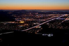 De nachtdaling van de stad royalty-vrije stock fotografie