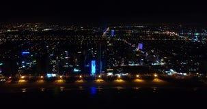 De nachtkust van Danang-stad van de hoogte stock video