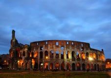 De nachtlichten van Coliseum Stock Foto