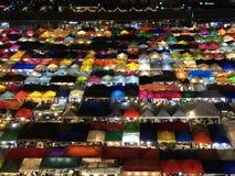 De nachtmarkt van Thailand Stock Afbeeldingen