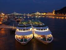 De nachtmening van Boedapest Stock Foto