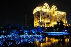 De nachtmening van de Bouw van de Investering Zhujiang Royalty-vrije Stock Afbeeldingen