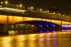 De nachtmening van Londen bij Kerstmis, Londen Royalty-vrije Stock Fotografie