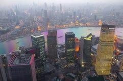 De nachtmening van Shanghai overzien Royalty-vrije Stock Fotografie